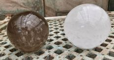 Two large spheres of Quartz and smoky Quartz - 10.1 and 11 cm - 3330gm