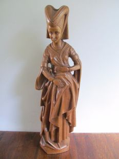 Large and beautiful carved oak wooden sculpture of Mary of Burgundy - Belgium - approx. 1900