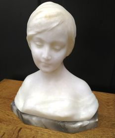 Antique alabaster bust on marble base - signed Masini, Firenze - around 1900