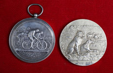 France - lot of 2 medals 'Cyclisme 1894' & 'Chien de Berger 1906' – silver