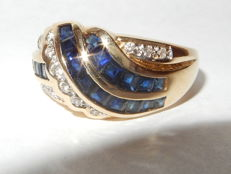 "Yellow gold ring with sapphires and diamonds. 1.88 ct.  ""No reserve price."""