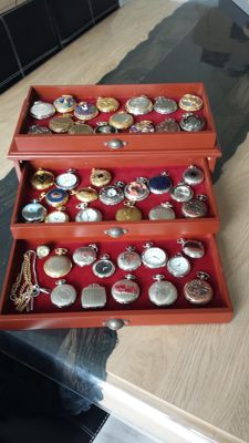 Beautiful collection of 48 different pocket watches in a luxurious box