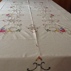 Embroidered tablecloth cross stitch and crochet