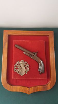 Frame with Arms Coat of Arms with 2 Barrel Pistol Gun LEFAUCHEUX System 19th Century