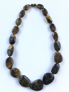 Genuine yellowish green black  Baltic Amber necklace, 71 gr., No reserve