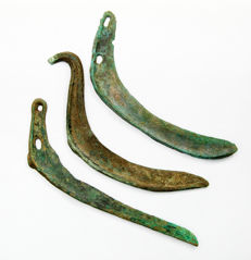 Collection of different three bronze and smooth green patina sikles - 19 cm, 18 cm, 20 cm.