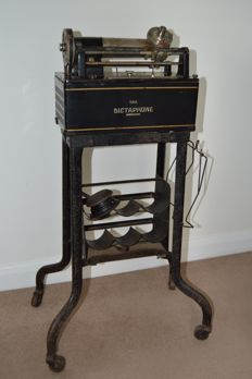 The Dictaphone wax sound recording machine - 1920's