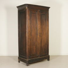 Two-door fir wood wardrobe Italian antiques from the early 1900