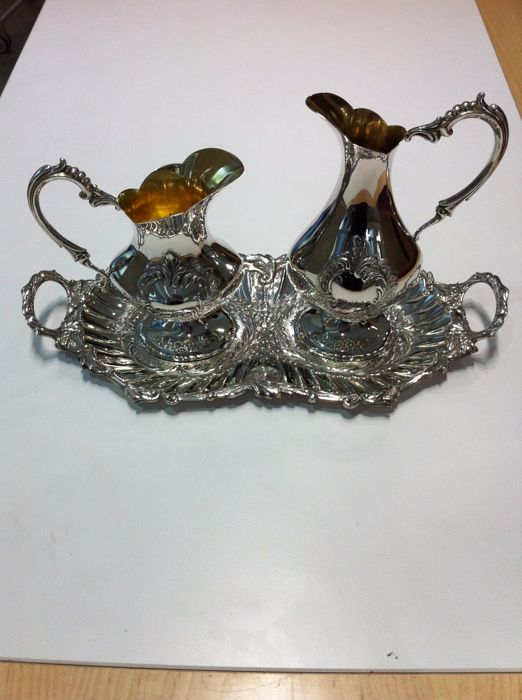 Set of two silver jugs and one tray - Pasgorcy S.A. - Spain - 1990/1999