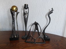 4 bronze sculptures by Corry Ammerlaan van Niekerk.
