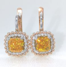 14 kt gold earrings set with Fancy intense colour cut diamond, 1.75 ct & white diamonds, 0.25 ct ***No Reserve***