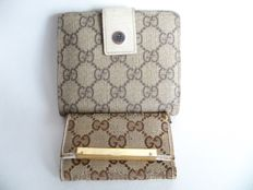 Lot of 2: Gucci bi-sided bi-fold wallet and Gucci keyholder - *No Reserve Price!*