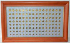 Europe – Collection gold-plated coin sets (16 pieces) in wooden frame