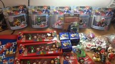 More then 370 pieces in tho sMega Pack Mario