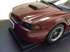 AUTOart - Scale 1/18 - Ford Mustang GT 2004 40th anniversary - Crimson red
