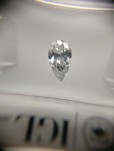 0.56 ct Pear cut diamond D VS2