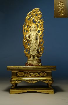 Acala (Fudomyo-oh) Buddhist Guardian with Altar - Metal, and Gold Gilt Wood - Japan - Second half 20th century