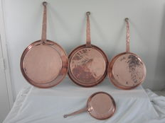 4 Antique copper pans / frying pans
