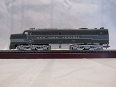 Märklin H0 - from starter set 29570 - diesel locomotive Alco PA-1 of New York Central