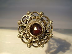 Victorian ring with antique rose cut garnet