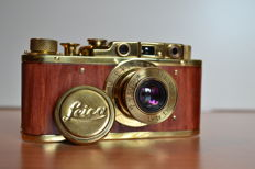 Fed 35 mm camera . Copy gold-wood, in leather case