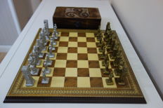 Collection chess of the Templar armies and troops of the Abbasid Caliphate