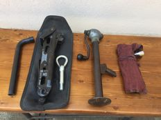 Mercedes-Benz tool kit 1970s, 1960s Fiat jack and General Motor jack