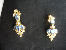 Earrings in 750/1000 yellow gold with natural sapphires