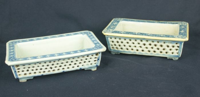 Pair of blue and white bonsai pots - China - 19th century