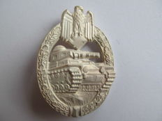 Tank assault badge in silver - Mint