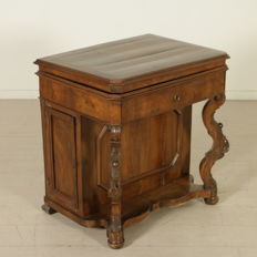Walnut retractable writing desk - Italy - second half of the 19th century