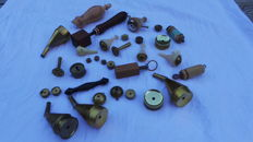 Large lot of 33 antique (bird)calls for hunting birds such as songbirds, wood owl, duck and also fox hunting