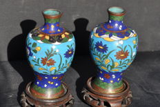 Pair of small cloisonné vases - China - 19th century