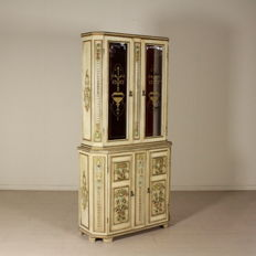 Elegant carved display cabinet - Italy - 20th century
