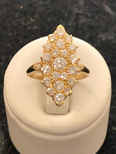 Marquise ring in gold with diamonds of 1.30 ct Top Wesselton - 18 kt/750 yellow gold - size 53/16.8 mm.