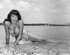 Bunny Yeager - Bettie Page