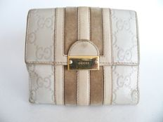 Gucci bi-sided bi-fold wallet - *No Reserve Price!*