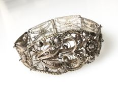 Silver bracelet with pattern - handmade