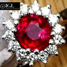 Unheated 1.23 ct Natural Red Ruby And Diamond Cocktail ring in 18 kt white gold – IGL  Certified – No Reserve