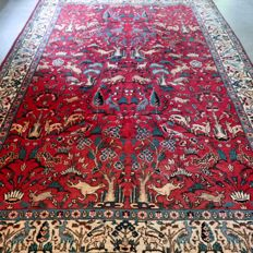 Special: animal kingdom Tabriz Persian rug– 305 x 220. Unique opportunity!