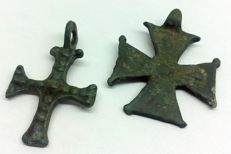 Medieval crosses of the Templars (2) 28x23mm 27x17mm