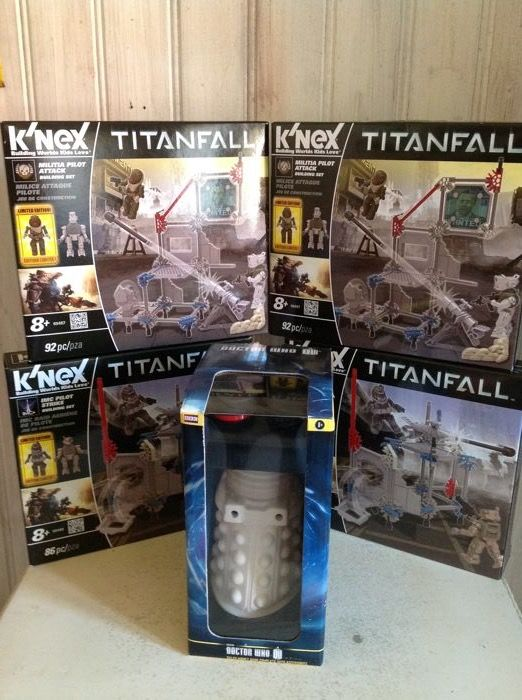 Dalek money Bank cromatie hobbycraft limited collector doctor who bbc 1996 k'nex TItanfall 4 box