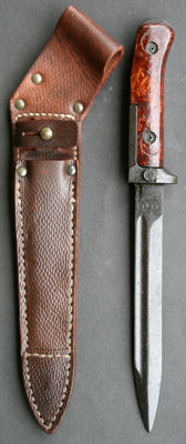 Czech AK-47 Bayonet Samopal - 1st Model - with original (rare) ribbed leather sheath 1950s/1960s - 20th century