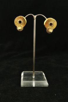 Antique kerala earrings in 20 kt gold – Handmade – South India – Early 20th century