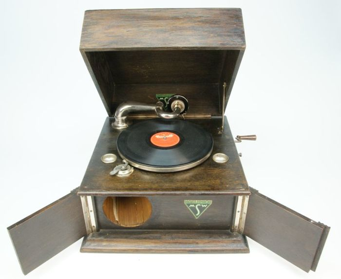 Motziphon Gramophone with record