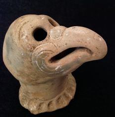 Pre-Columbian pottery head of a bird, probably a vulture, with TL-test - Veracruz culture - Mexico - 12 cm