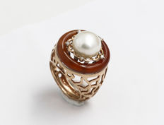 18 kt rose gold ring with 0.07 ct diamonds, pearl and carnelian - Size: 13.5
