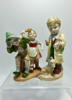 Two - Wagner & Apel - Porcelain Figurine - Hand Painted - Germany