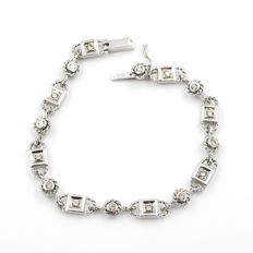 18 kt white gold – Bracelet – Brilliant-cut diamonds totalling 0.70 ct – Length: 19 cm (approx.)