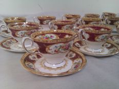 Royal Albert - 15 cups and saucers - decor name Lady Hamilton